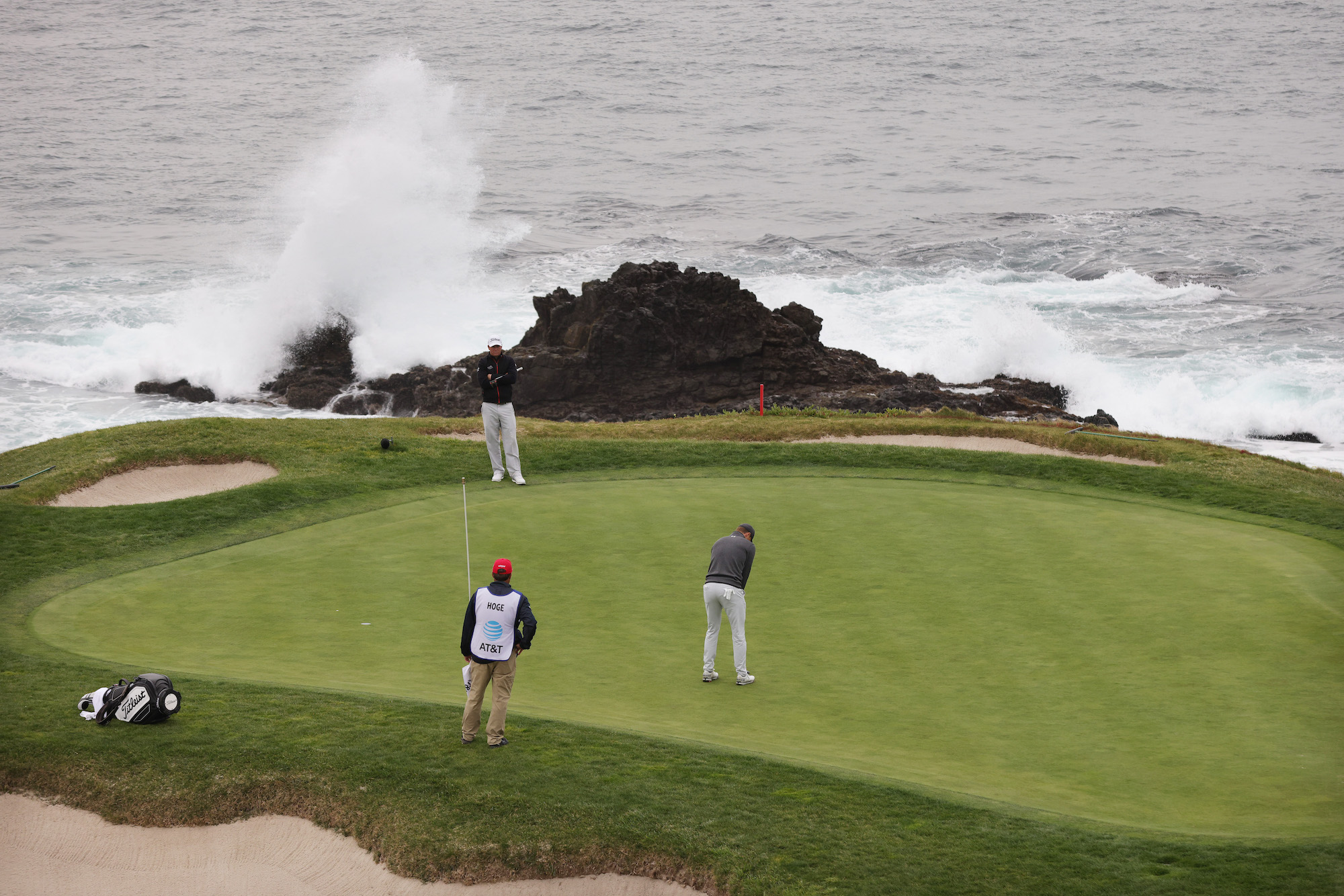 2021 AT&T Pebble Beach Pro-Am: Final Round - Jordan Putts on the Scenic No. 7