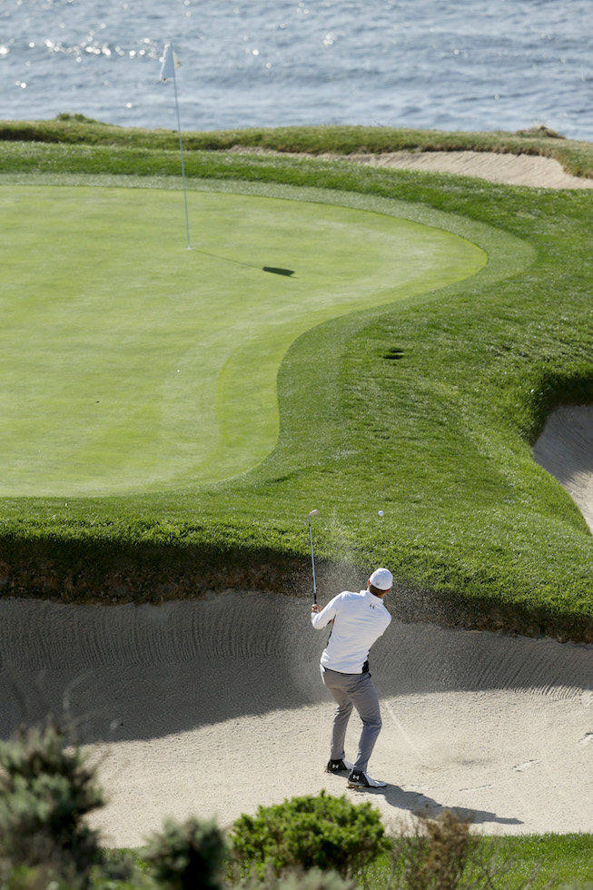 2018 AT&T Pebble Beach Pro-Am: Round 3 - Playing Out of the Bunker on No. 7
