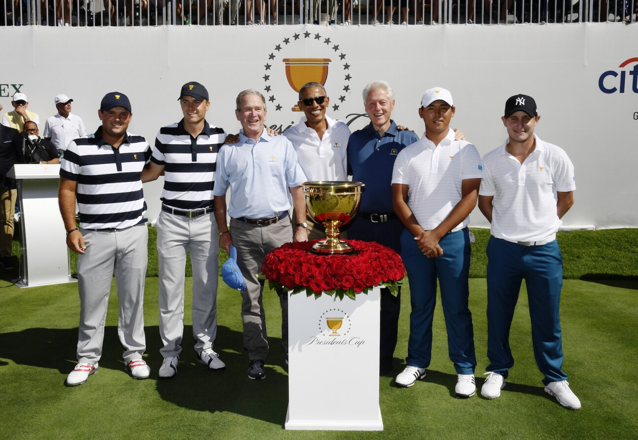 2017 Presidents Cup: Round 1 - Jordan poses with presidents
