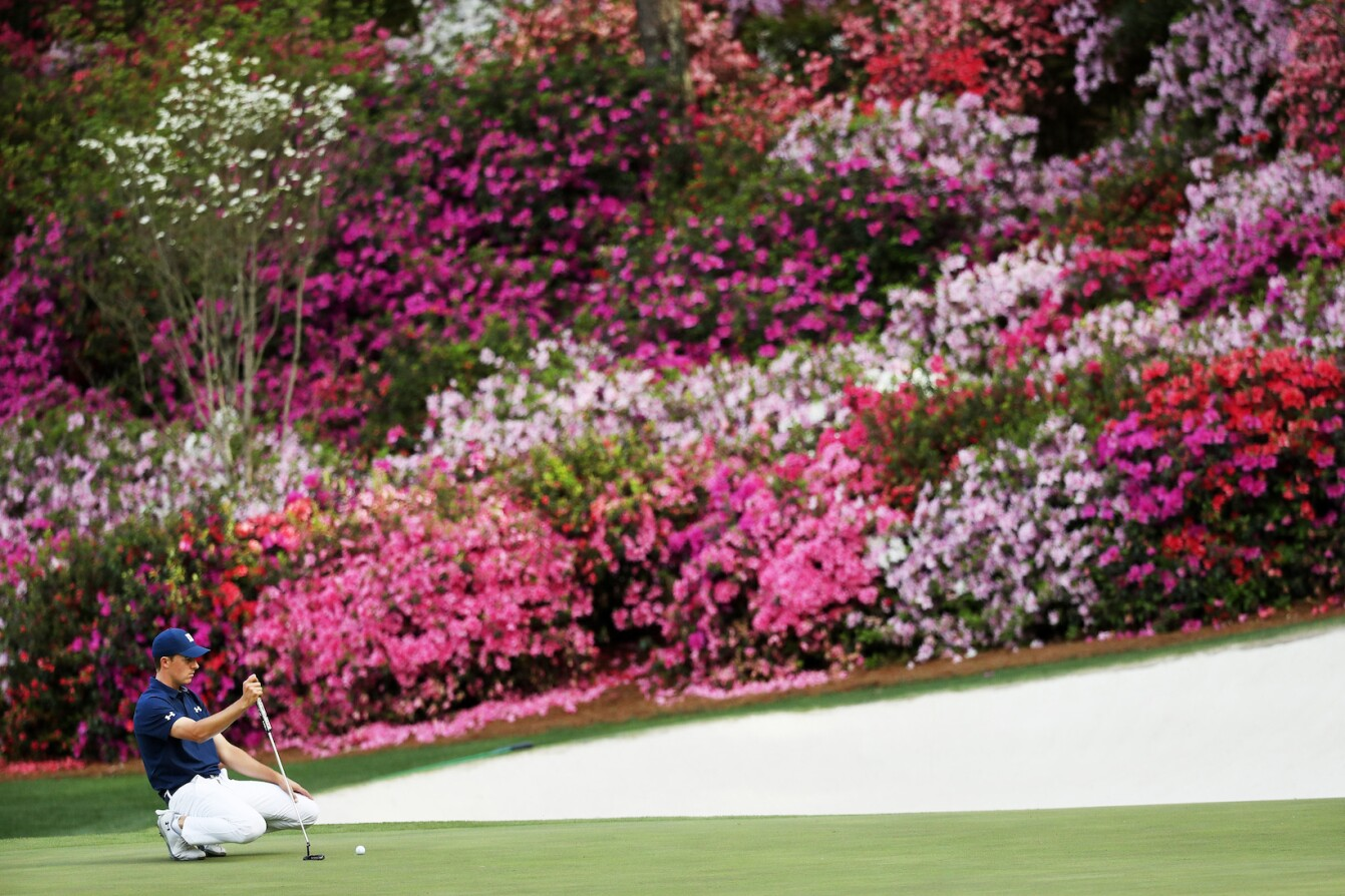 2018 Masters Tournament: Round 1 - Lining Up a Putt on No. 13