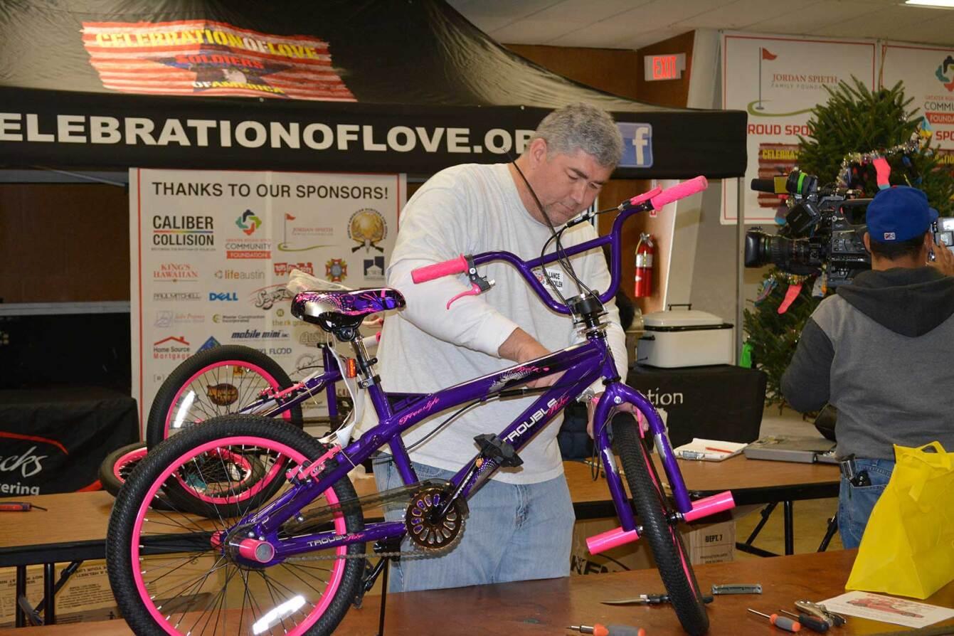 Building-Bikes-For-Fort-Hood-Kids-(2).jpg