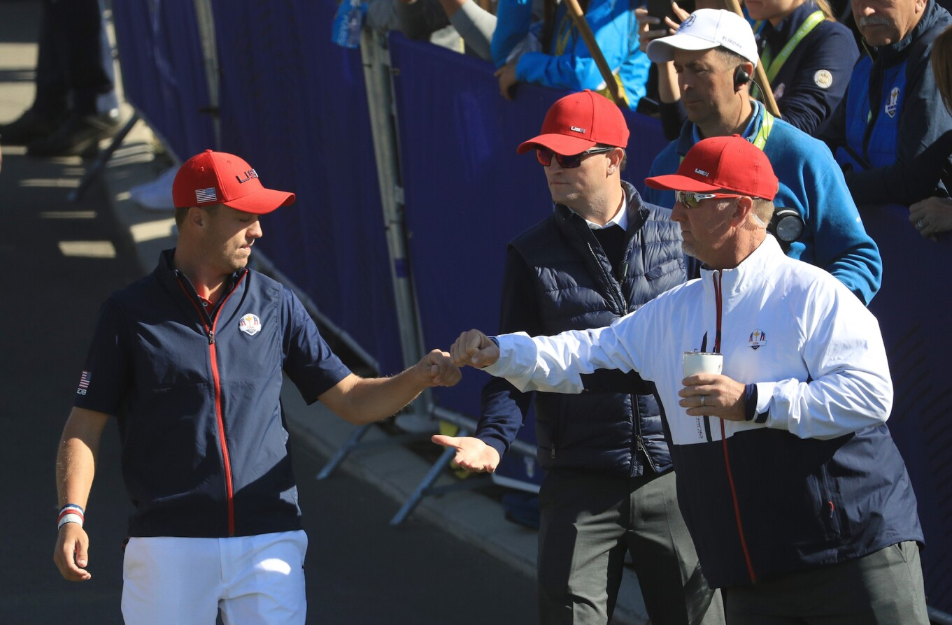 2018 Ryder Cup: Sunday Singles - Jordan Fist Bumps WIth David Duval