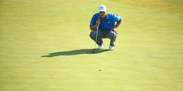 PGA Championship Round 2: Jordan Lines Up a Putt at 11th Green