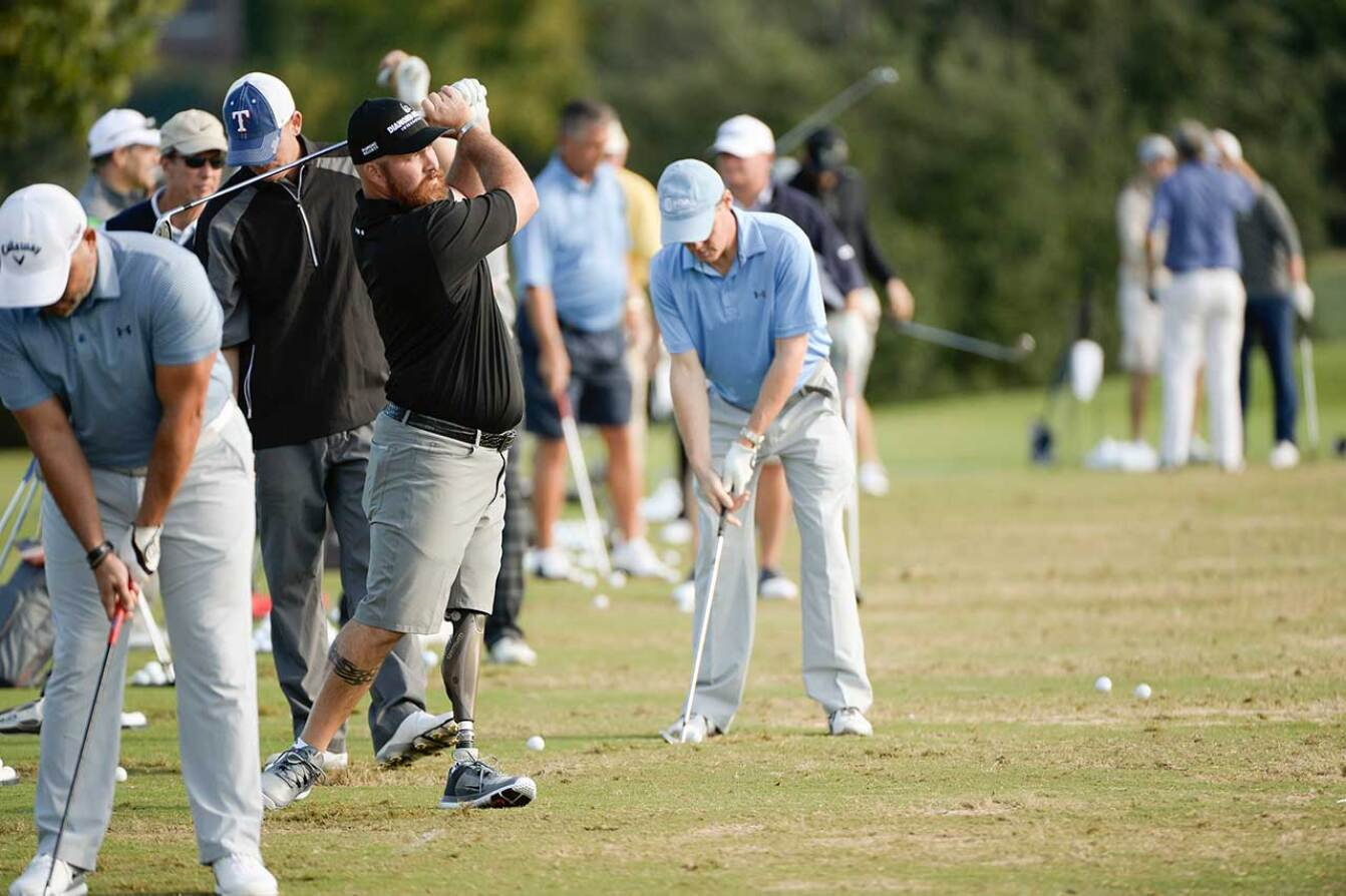 Warming Up - 2015 Spieth Shootout