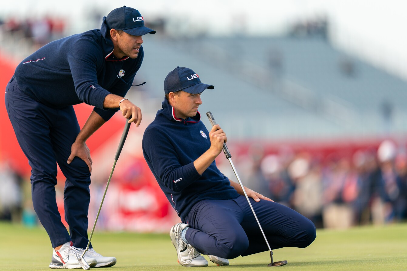 2021 Ryder Cup: Day 2 - Jordan and Brooks Read a Putt on 15th Green