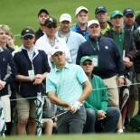 2018 Masters Tournament: Round 3 - Chip on to Second Green