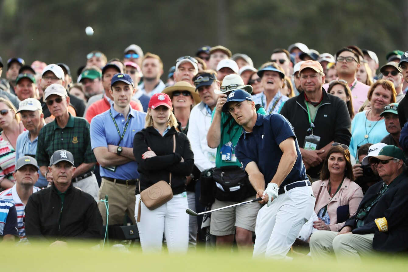 2018 Masters Tournament: Round 1 - Chip on No. 18