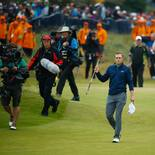 2017 Open Championship: Final Round - Jordan Is Greeted With an Ovation as He Walks to the 18th Green