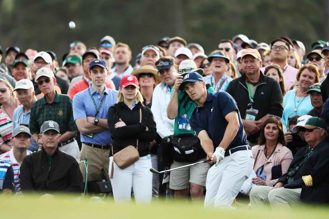 2018 Masters Tournament: Round 1 - Chip on No. 18